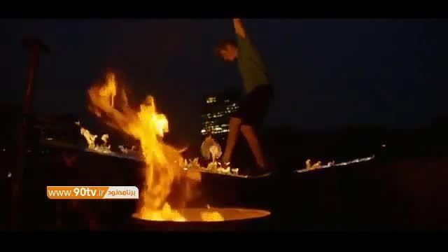 حرکات تکنیکی زیبا و خطرناک با توپ و آتش!