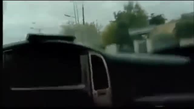 نجات نیروهای امنیتی از تک تیرانداز توسط خودروی زرهی
