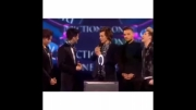 دیر رسیدن هری به brit awards
