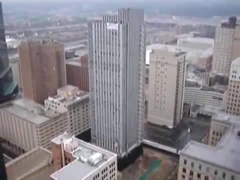 تخریب آپارتمان بیش از صد طبقه در کمتر از 20 ثانیه ....