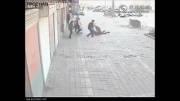 آتش زدن یک زن توسط همسرش در خیابان !!!