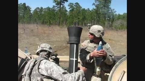 شلیک های خمپاره 120 میلیمتری ارتش آمریکا پشت نفربر