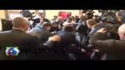 ویدیوی کتک خوردن رهبر مخالفان ترکیه در پارلمان