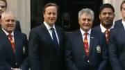 شاخ گذاشتن روی سر نخست وزیر