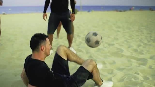 حرکات تکنیکی و سریع با توپ