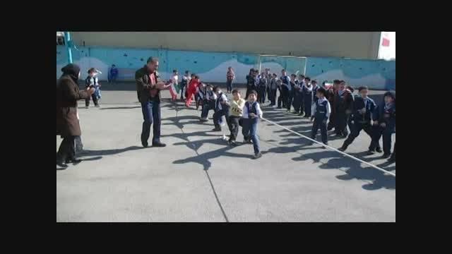 مسابقات طناب کشی کلاس های چهارم و پنجم ابتدایی