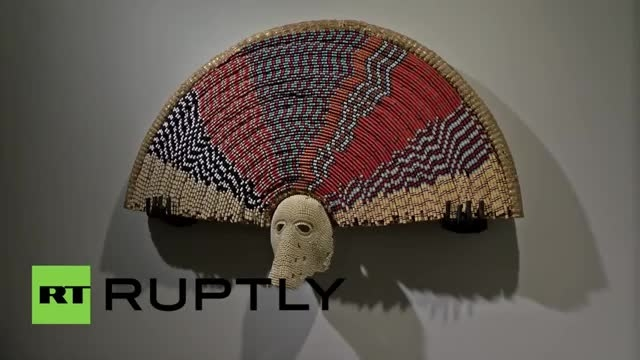 نمایش عجیب گالری هنری از جنس مو استخوان و دندان انسانها