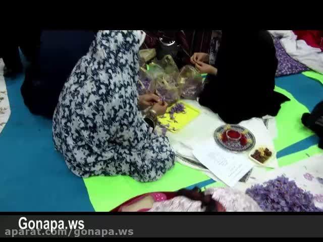 مسابقه گل پر کنی و غذای سنتی در گناباد