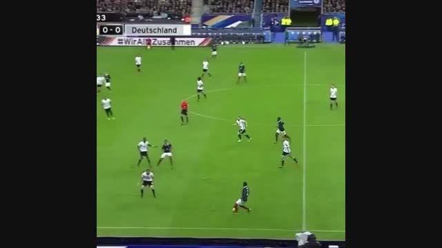 لحظه انفجار بمب در بازی فرانسه آلمان