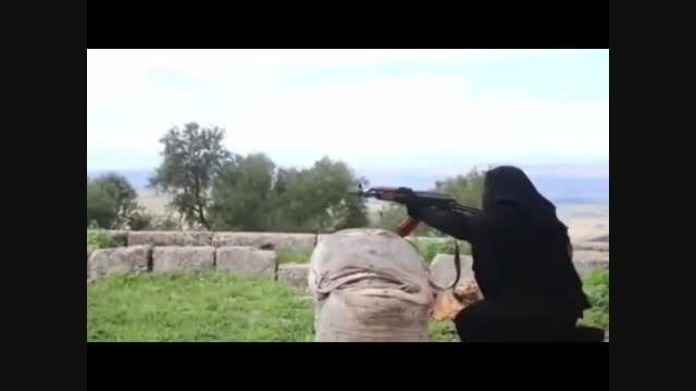 تصاویر زنان تروریستی داعش در کمپ های آموزشی در سوریه
