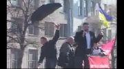 رهبر موافقان دولت اوکراین هدف تخم مرغ