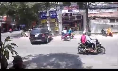 چرا باید مراقب رانندگی خانم ها باشیم؟!