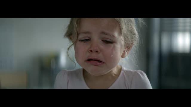 کمپین تبلیغاتی بچه را به گریه بیاندازید #MakeAChildCry