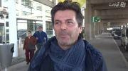 سلام توماس آندرس به طرفداران در هنگام ورود به کشور شیلی