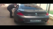شکستن شیشه BMW M6 !!