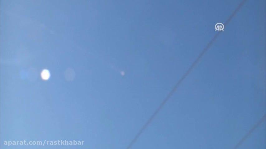 لحظه سقوط جنگنده سوخو24 روسیه در مرز ترکیه و سوریه