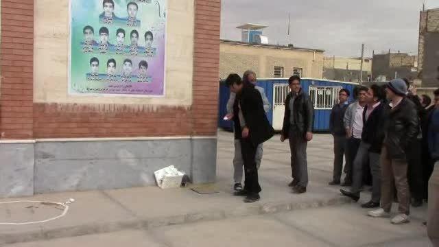برگزاری مسابقه نجات تخم مرغ دردبیرستان تیزهوشان فردوس