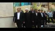 وقتی احمدی نژاد، کلید پاستور را به روحانی داد.