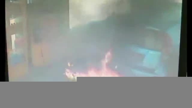 زنی که برای یک سیگار پمپ بنزین را به آتش کشید!!