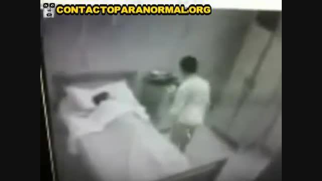 روح در اتاق بیمارستان