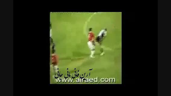 دعوای جنون آمیز روح با یک بازیکن وسط فوتبال