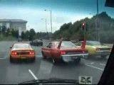 کل کل سه تا ماشین امریکایی پشت چراغ قرمز
