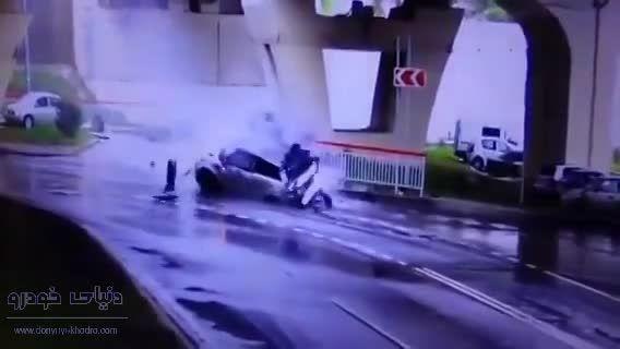 حادثه وحشتناک سقوط خودرو از روی پل