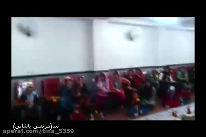 مرتضی پاشایی در میان کودکان