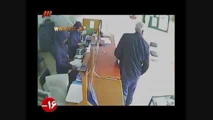 کتک خوردن و دستگیری دو سارق قمه به دست
