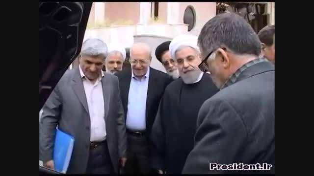 رونمایی از خودروی برقی بنزینی ایرانی توسط دکتر روحانی