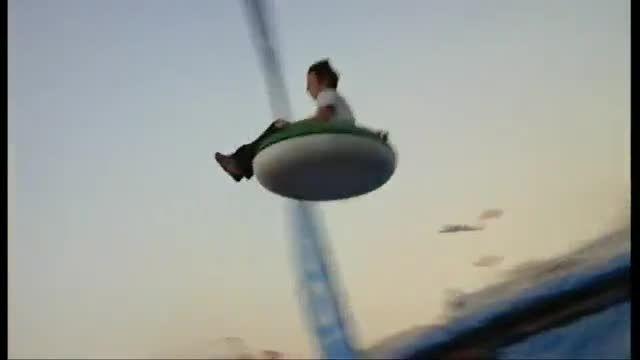 پیست پرواز در آسمان - با تیوپ پرواز کنید!!