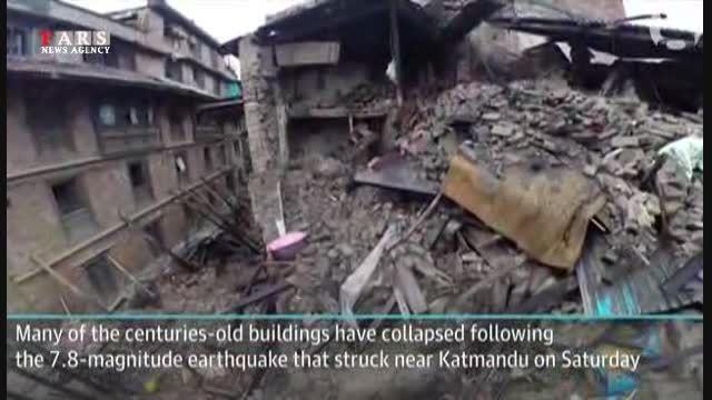 نجات پیرزن از زیر آوار،زلزله نپال