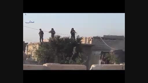 لحظه منفجر شدن یک داعشی در حلب