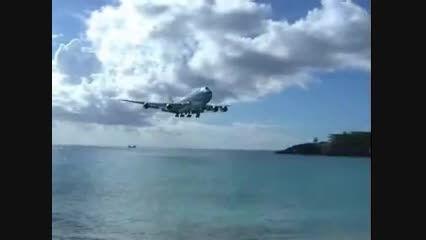 فرود شگفت انگیز 747 در جزیره سنت مارتین!