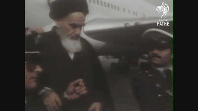 امام خمینی به ایران باز می گردد (1979)