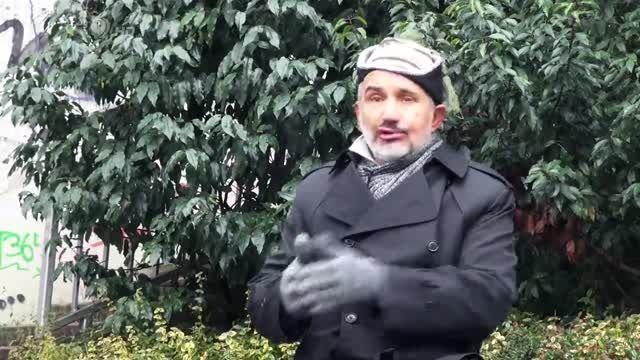 لبخند احمدی نژاد در پی خودکشی دانشجو