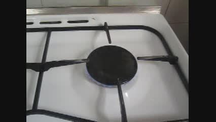 گرم کردن آب در لیوان یکبار مصرف