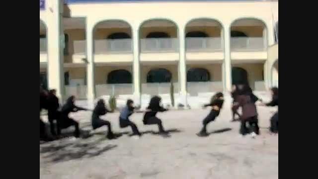 پاره شدن طناب تو طناب کشی دخترونه!!