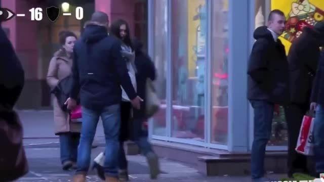 مزاهمت دختر با حجاب و بی حجاب  در روسیه