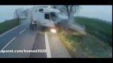 تصادف شدید تریلی و کامیونت