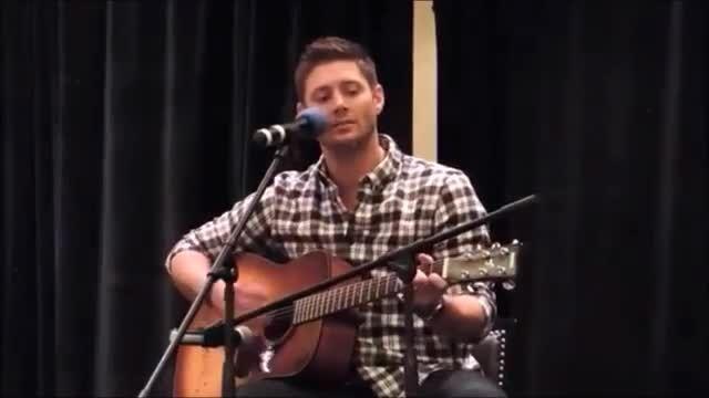 آهنگ خوندن جنسن برای دخترش