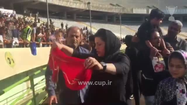 صحبت همسر هادی نوروزی با هواداران