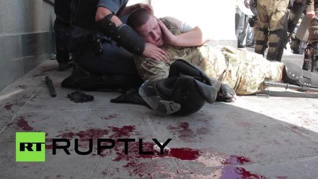 تظاهرات در اوکراین با یک کشته و 100 مجروح