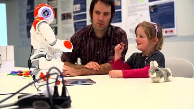 روبات هایی که نوشتن یاد می دهند