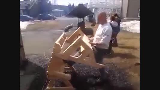 ساخت پیشرفته ترین میز و صندلی هوشمند واقعا دیدنی
