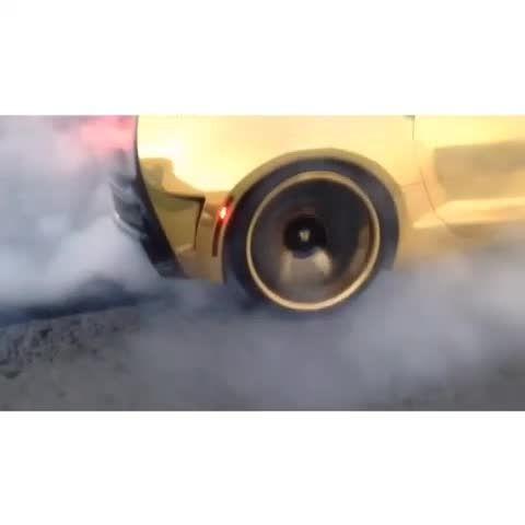 تصادف موتور سنگین در شیراز برن اوت بسیار زیبا با سمند EF7