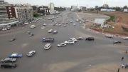 وضعیت ترافیکی مضحک در میدان Meskel در Addis Abeba