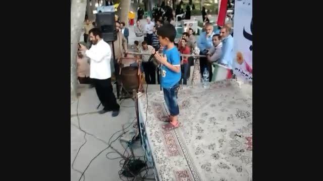 یاسین نوروزی  اجرای آهنگ مرگ مساوی آمریکا جشن انتظار