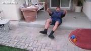 حمله وحشیانه سگها به این مرد :(