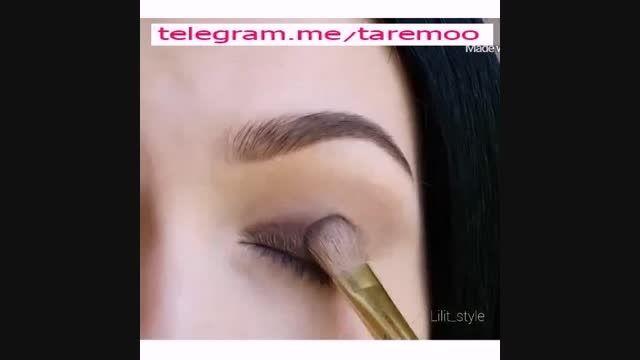 آرایش چشم با خط چشم و سایه تیره در تارمو
